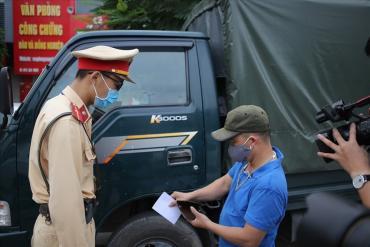 Người dân có quyền ghi âm, ghi hình cảnh sát giao thông làm nhiệm vụ