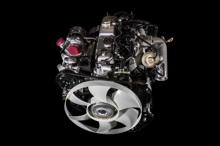 Công nghệ TCI tăng công suất động cơ. Công nghệ CRDi tiết kiệm nhiên liệu, thân thiện môi trường